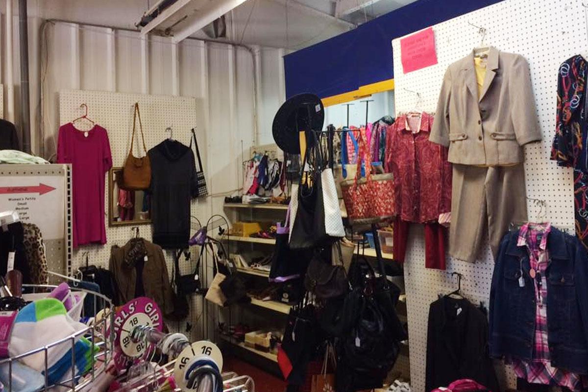 img04-thrift_shop